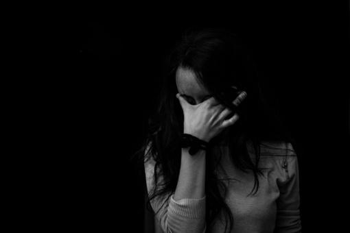 Kam gresia nerimo liga, kurią sukelia neigiamos informacijos perteklius?