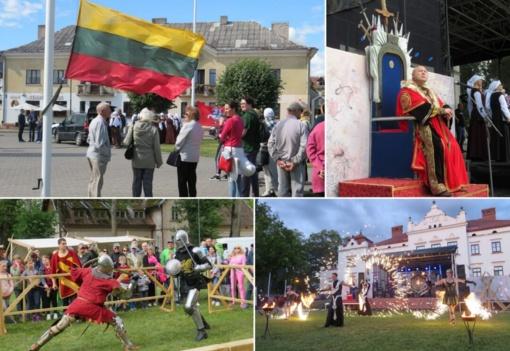 Liepos 6-oji Rokiškyje: nuo patriotinių akcentų iki Kinijos folkloro (fotogalerija)