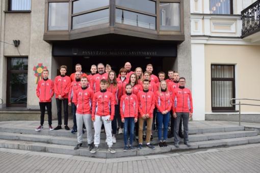 Miesto sportininkai palydėti į tarptautines vaikų žaidynes