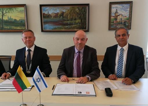 Radviliškio rajono savivaldybė užmezgė ryšius su Katzrino miestu Izraelyje