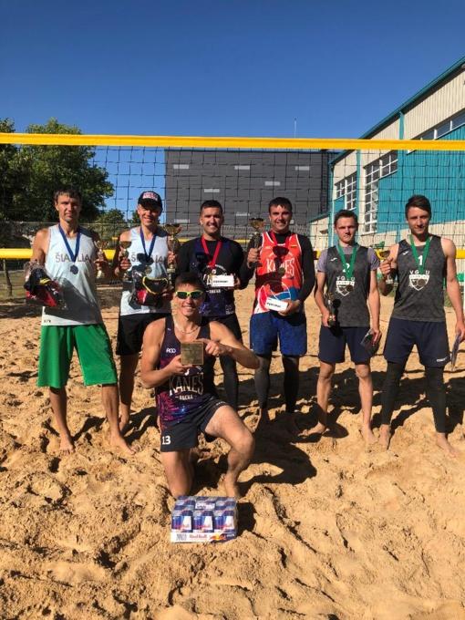 9-tasis paplūdimio tinklinio turnyras Radviliškyje  atnešė pergales svečiams