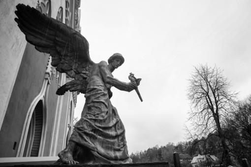 Seimas spręs dėl naujos šventinės dienos – Vėlinių
