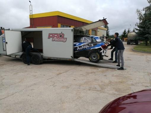 Rokiškio žvyrkeliuose – Vytauto Švedo automobilio krikštas (vaizdo įrašas)