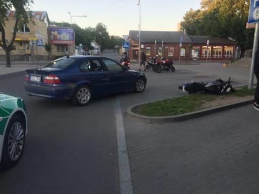 Ieško liudininkų, mačiusių BMW ir motociklo susidūrimą