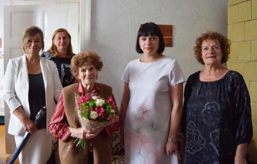 90-mečio proga pasveikinta priekuliškė Angelė Jaškūnienė