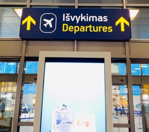 Studijuosiančius Europoje įspėja, kad neskubėtų deklaruoti išvykimo
