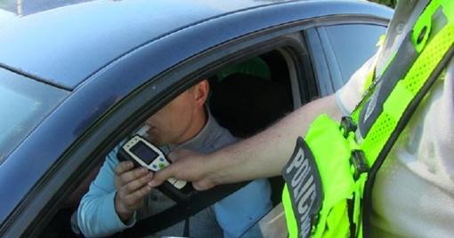 Pareigūnams įkliuvo smarkiai apgirtę vairuotojai