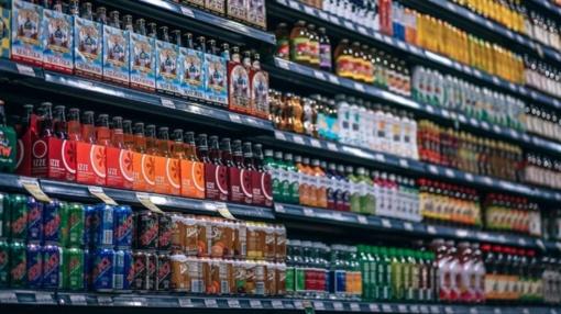 Saldžių gėrimų spąstai: ar juos vartodami didiname riziką susirgti vėžiu?