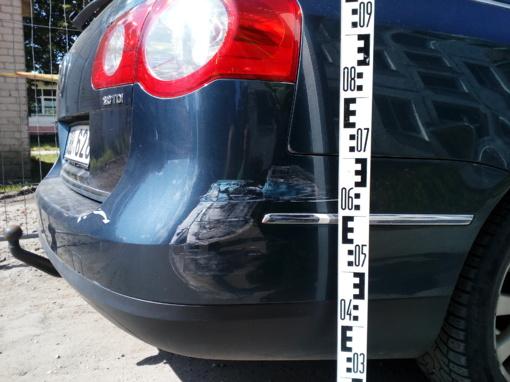 Policija aiškinasi, kas apgadino automobilį