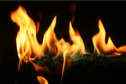 Kupiškio rajone degė namas, iš jo išvesta moteris ir vaikas