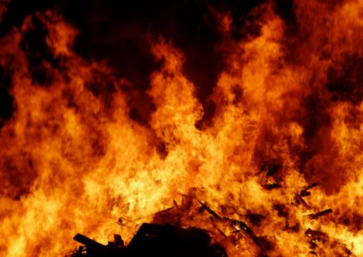 Maironių kaime degė pastatai