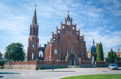 Trumpai: dvasininkai lieka savose parapijose