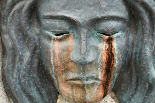 Prienų rajone vagys iš kapinių nušvilpė skulptūrą