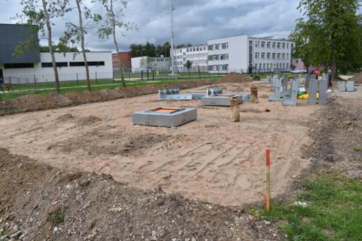 Įrenginėjamas naujas batutų parkas