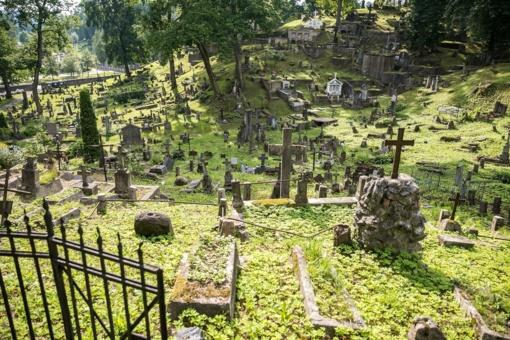 Už kartelį Vilniaus kapinių priežiūros viešajame pirkime – šimtatūkstantinės baudos įmonėms
