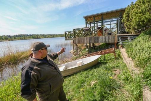 Lampėdžio ežero apylinkių gyventojai nesiruošia nusileisti vaizdingos pakrantės užgrobėjams