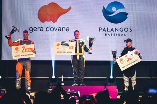 """Naktines """"drifto"""" varžybas Palangoje laimėjo B. Čirba"""