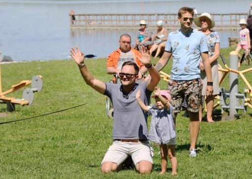 Šiltą šeštadienio popietę šiauliečiai pramogavo Vandens šventėje prie Rėkyvos ežero