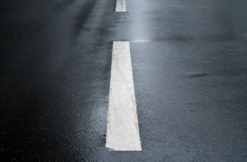 Naujoje Akmenėje BMW vairuotojas sužalojo nepilnametį