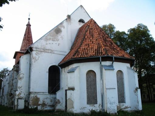 """Rusnėje tvarkys evangelikų bažnyčią, Šilutėje – buvusią """"Eglutę"""""""