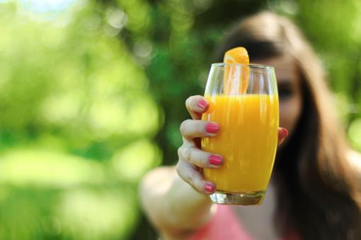 Sportuojančių moterų mityba: kodėl nereikėtų vengti baltymų