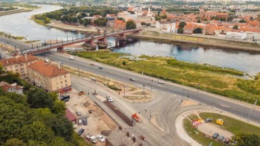 Nuo pirmadienio Aleksoto tiltu atnaujinamas eismas: kokios naujovės lauks?