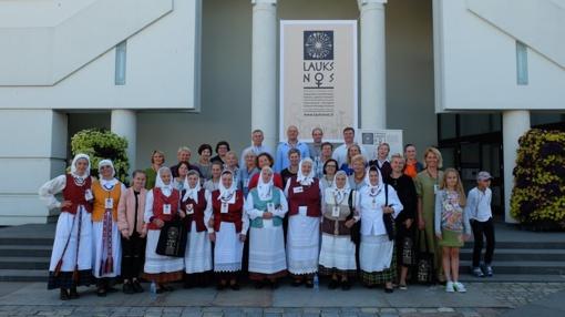 """Tarptautiniame nematerialaus kultūros paveldo festivalyje """"Lauksnos"""" Žiūrų ansamblis pristatė šilinių dzūkų dainavimo tradiciją"""