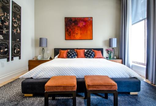 Šiuolaikiškas miegamasis: kaip jame uždengti langus?