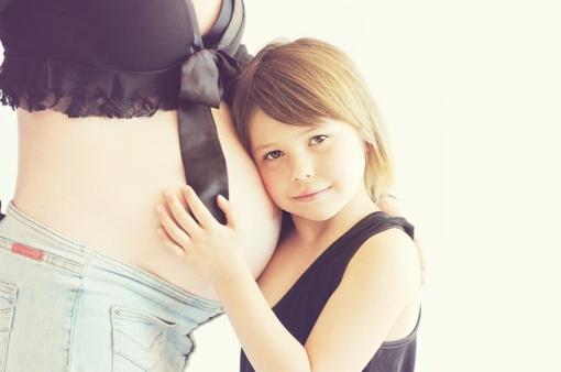 3 patarimai lengvesnei nėščiųjų vasarai: savijautą gali pabloginti ir arbūzas