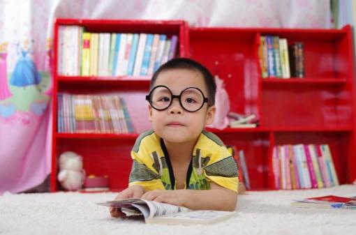 Vaikų rega prastėja – ką prieš mokyklą būtina žinoti tėvams?