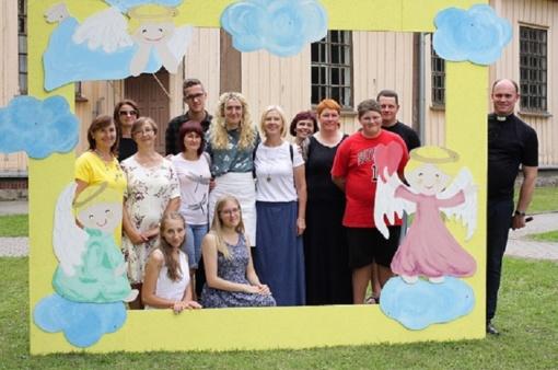 Krikštukų idėja: bažnyčia atvira šeimai ir vaikams
