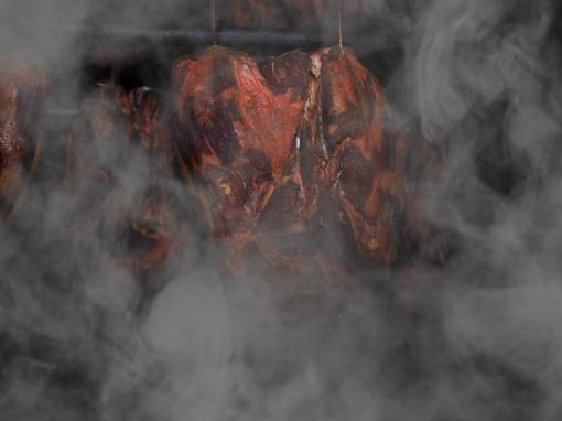Vagišių grobis: rūkyti lašiniai ir dešros
