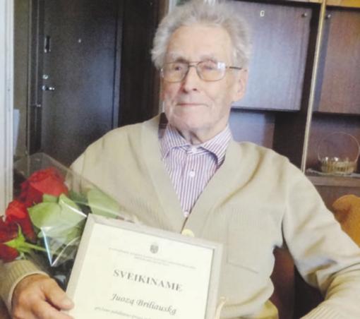 Profesija – mokytojas, stažas – 50 metų