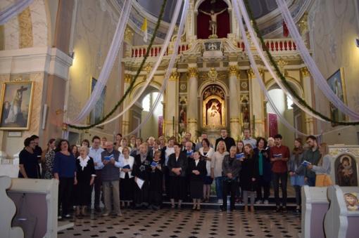 """Įvyko pirmasis Lietuvoje tarptautiniu tapęs liaudies giesmininkų festivalis """"Giedu giesmelę"""""""