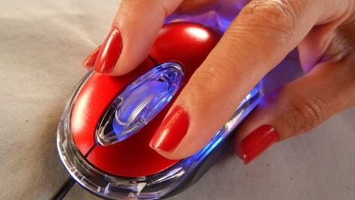 Dirbančiųjų prie kompiuterio rykštė – pelės liga