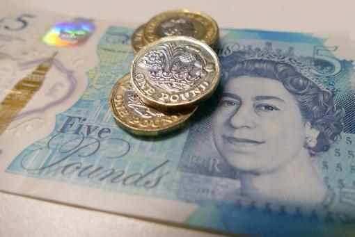 Britų ekonomikai iškilo pavojus: svaro sterlingų kursas pasiekė dugną