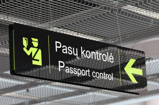 Kauno oro uoste pasieniečiai sulaikė metus teisėsaugos ieškotą raseiniškį
