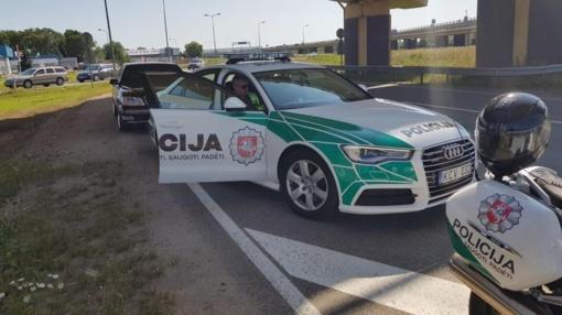 Dėl eismo įvykio laikinai uždaromas eismas kelyje Kaunas-Marijampolė-Suvalkai