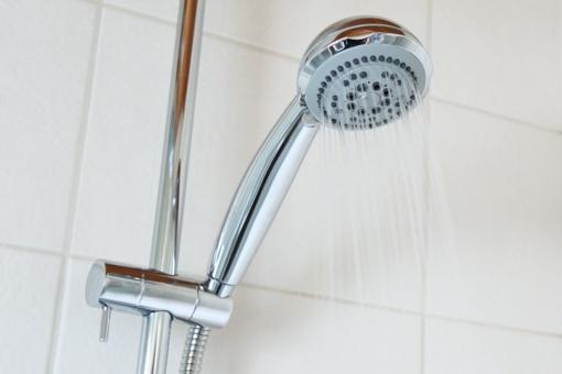 Karšto vandens kaina vėl kyla