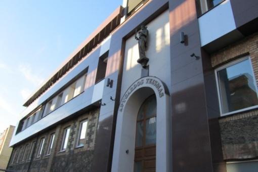 """Buvusią Šiaulių """"Rasos"""" mokyklos direktorę teismas vėl atsisakė grąžinti į pareigas"""