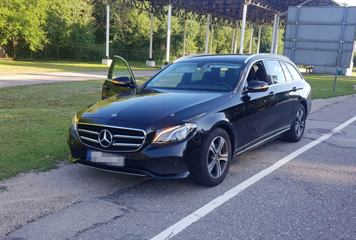 "VSAT pareigūnai sulaikė Vokietijoje pavogtą naujutėlį ""Mercedes Benz"""