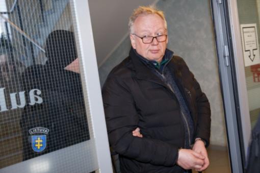 Prezidentas atleido vieną korupcija įtariamą teisėją, dėl dviejų kreipėsi į Seimą