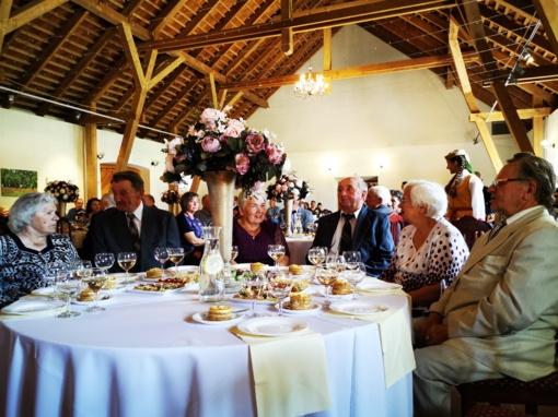 Burbiškio dvare Radviliškio rajone – graži Auksinių vestuvių šventė