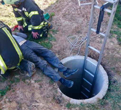 Prienų rajone gelbėtas į šulinį įkritęs žmogus
