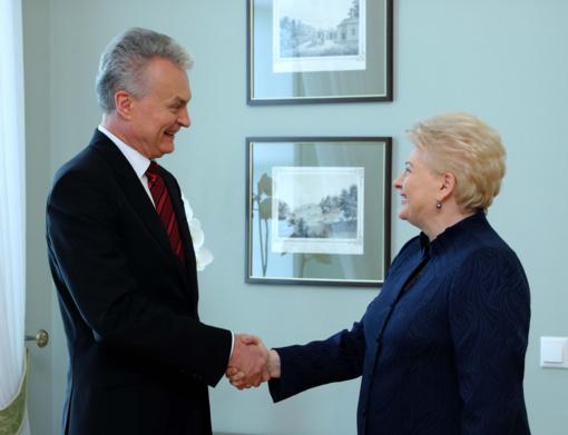 Skelbiamas įtakingiausių Lietuvos politikų sąrašas: elitas įtakingiausia laiko D. Grybauskaitę, visuomenė – G. Nausėdą