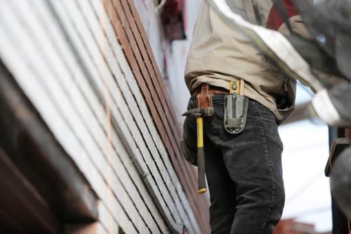 """S. Gentvilas apie """"šešėlį"""" statybų sektoriuje: septintadalis statybose dirbančiųjų gauna mažiau nei minimalią algą"""