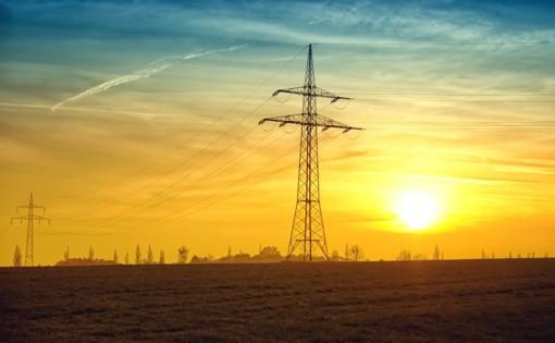 Elektros rinkos barometras: elektra Lietuvoje pigesnė nei Latvijoje, bet brangesnė nei Estijoje