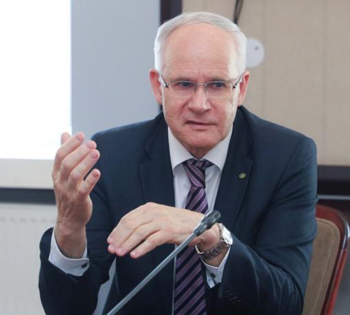 A. Monkevičius: mokslo metai trumpinami nebus