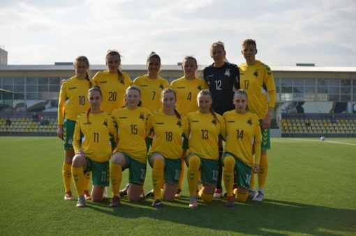 Prieš istorinį startą išrikiuota Lietuvos moterų futbolo rinktinės sudėtis