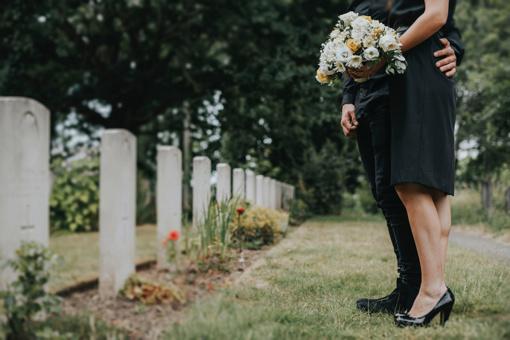 Mirusiojo artimųjų teisės – ką dažniausiai pamirštame?
